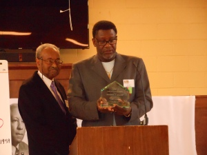 WIlliam E. (Bill) Johnson, retired business manager of Laborers Local 113, received the Milwaukee APRI Chapter's Achievement Award at the event.